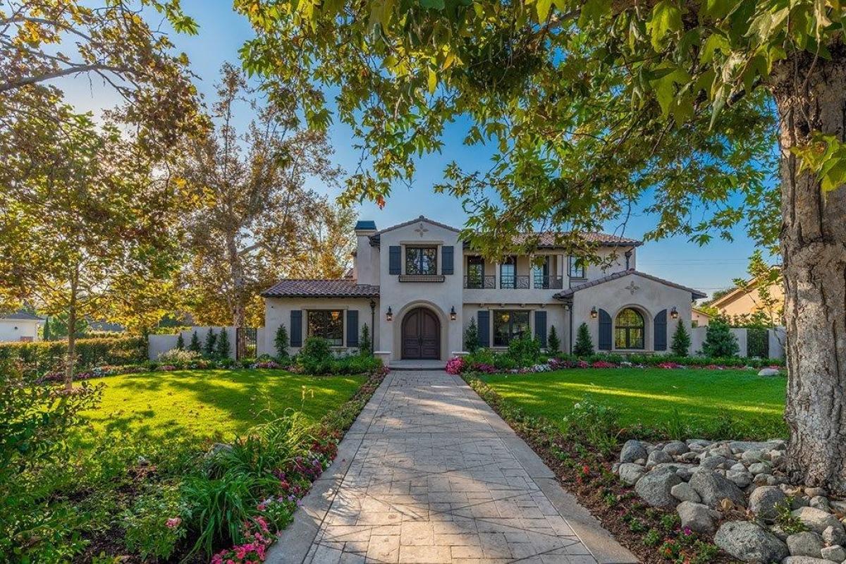 1203 Highland Oaks Dr,Arcadia,California 91006,5 Bedrooms Bedrooms,6 BathroomsBathrooms,Single Family Home,Highland Oaks ,2,1002